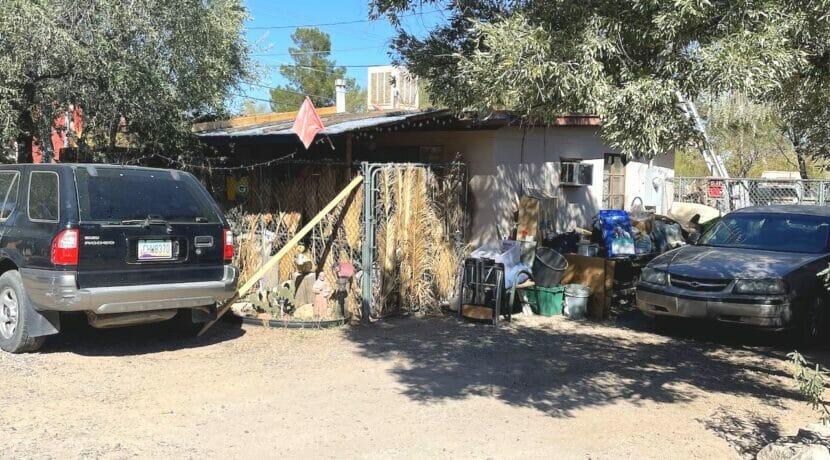 2614 N Los Altos Ave
